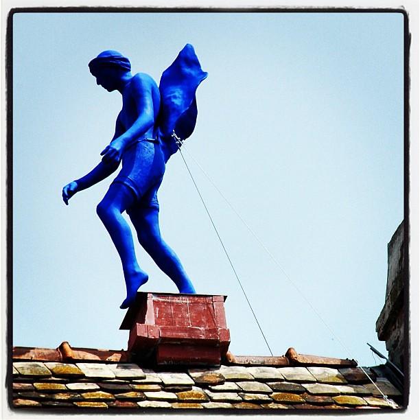 blauer engel auf dem dach blue angel on the roof insta. Black Bedroom Furniture Sets. Home Design Ideas