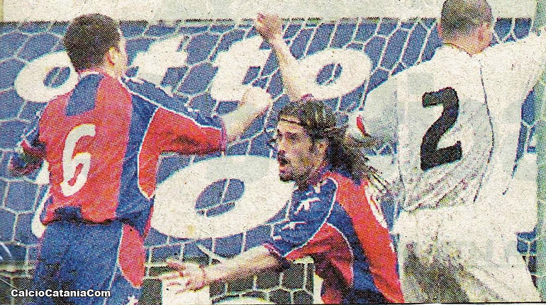 L'esultanza di Baronchelli (con il numero 6) e Ambrosi dopo il gol dell'1-1 al Savoia