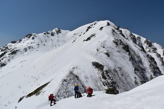 三ノ沢岳の稜線のコル