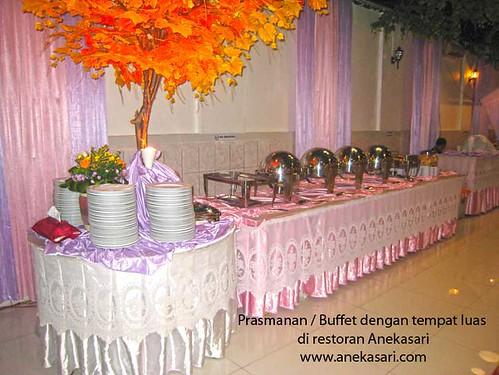 acara Pesta Resepsi Pertunangan di restoran Aneka Sari