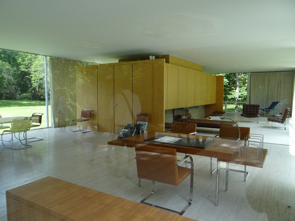 A Home That S Modern Inside And Out: Farnsworth House Interior