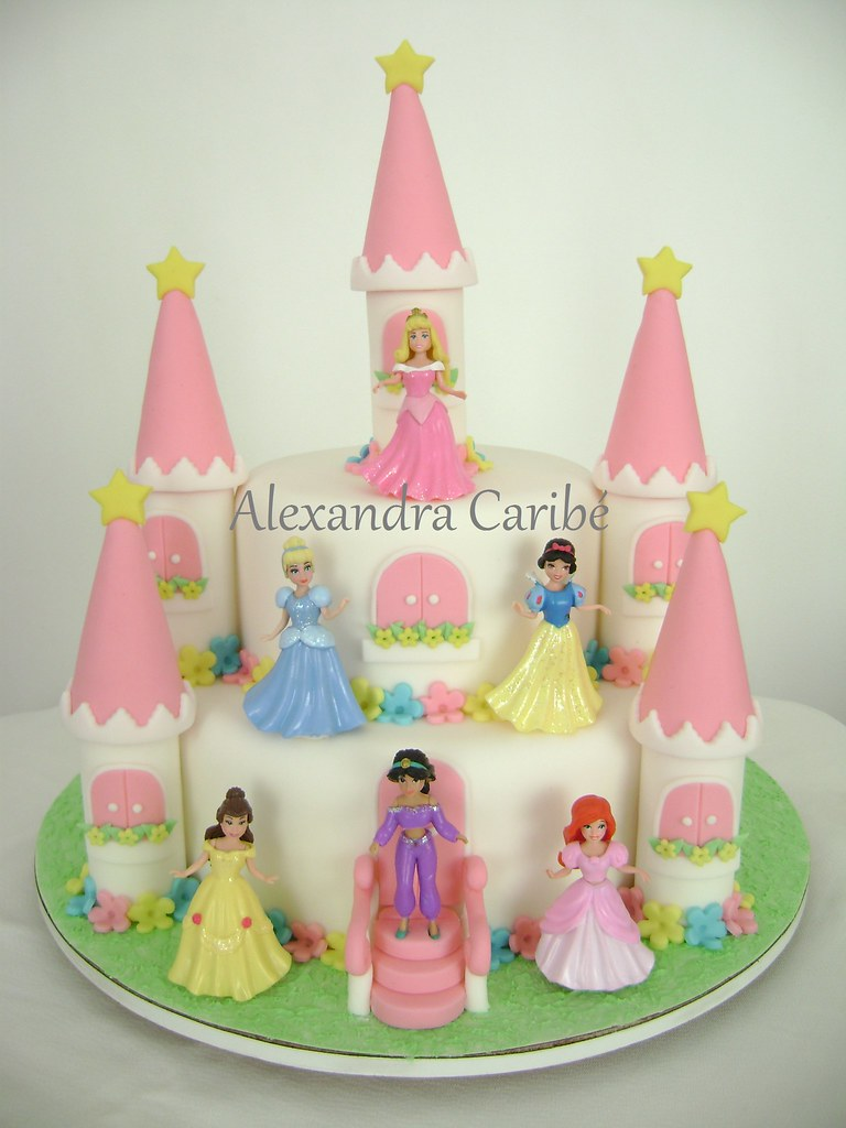 How To Decorate A Cinderella Cake