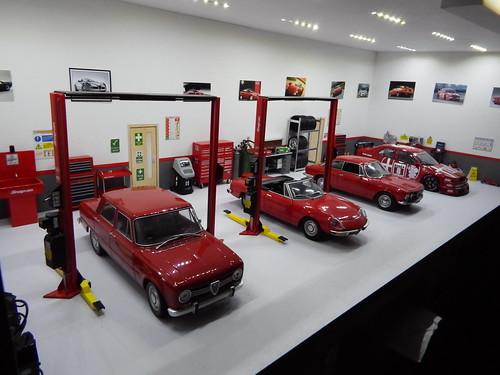 1 18 alfa romeo garage diorama 006 markalfa83 flickr for Garage alfa romeo villeneuve d ascq
