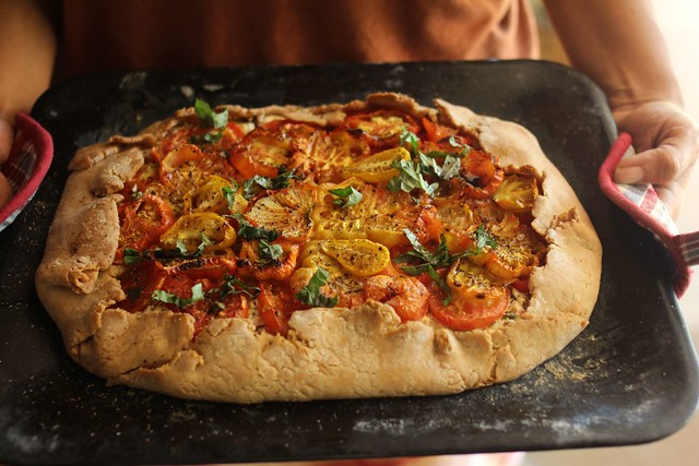 Paticheri_wholewheatheirloomtomatogalette (2)