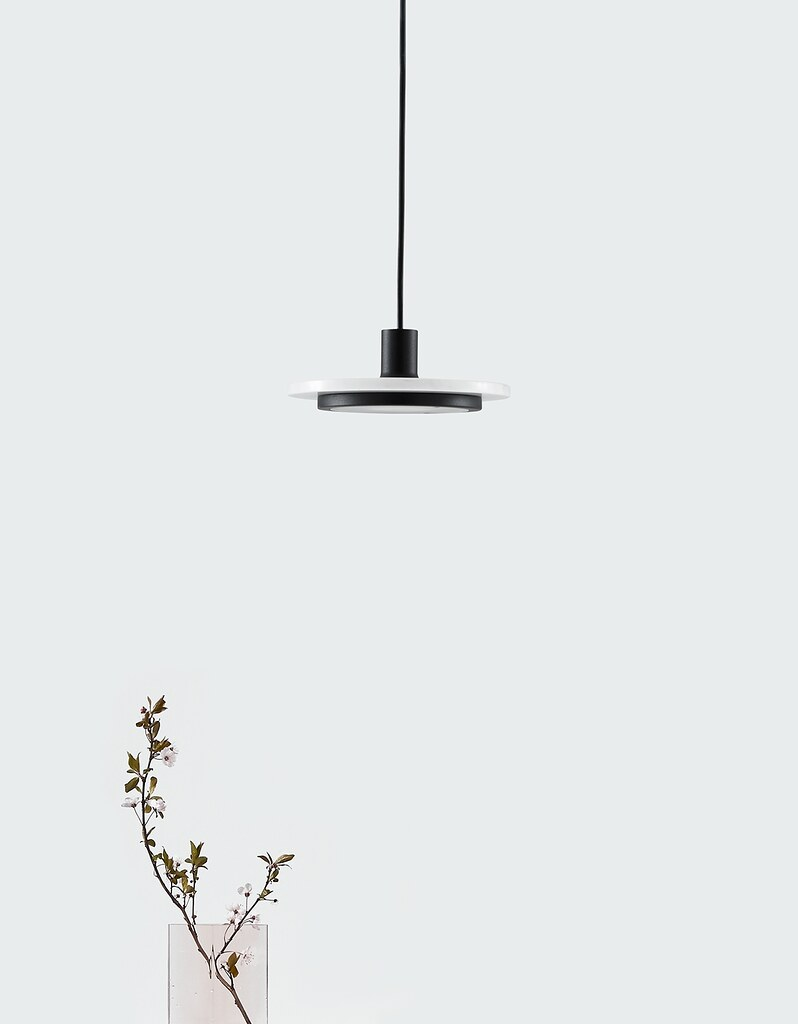 Minimal pendant and floor lamp by London-based designerr Romain Voulet Sundeno_01
