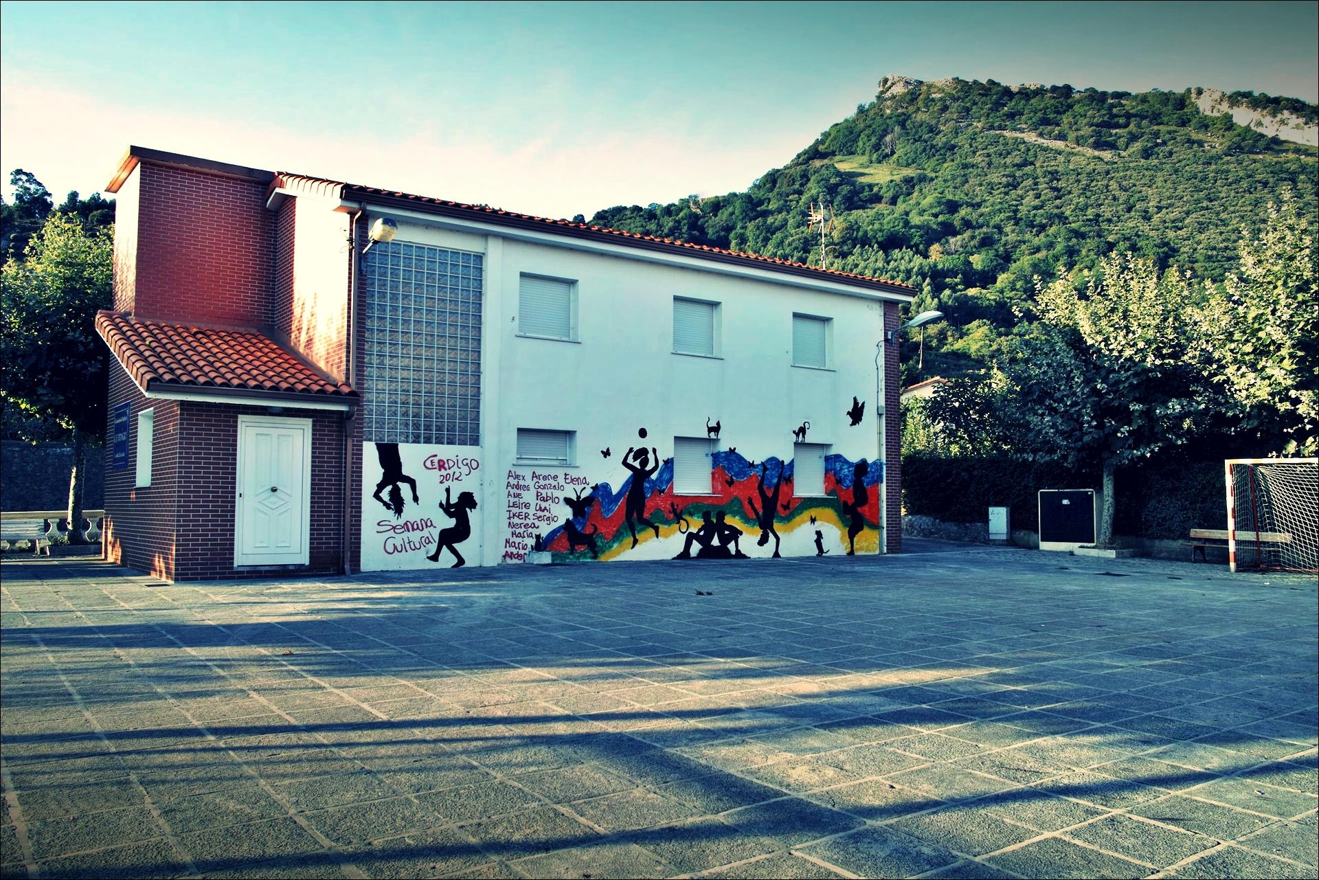 그라피티-'카미노 데 산티아고 북쪽길. 카스트로 우르디알레스에서 리엔도. (Camino del Norte - Castro Urdiales to Liendo) '