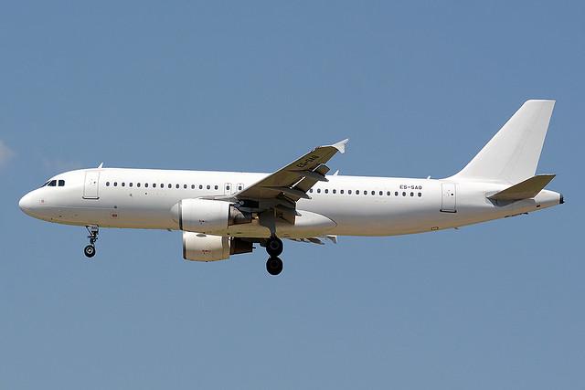 SMARTLYNX ESTONIA ES-SAQ AIRBUS A320-214 BCN/LEBL