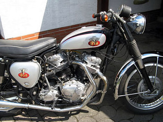 bsa-thompson-vtwin-2