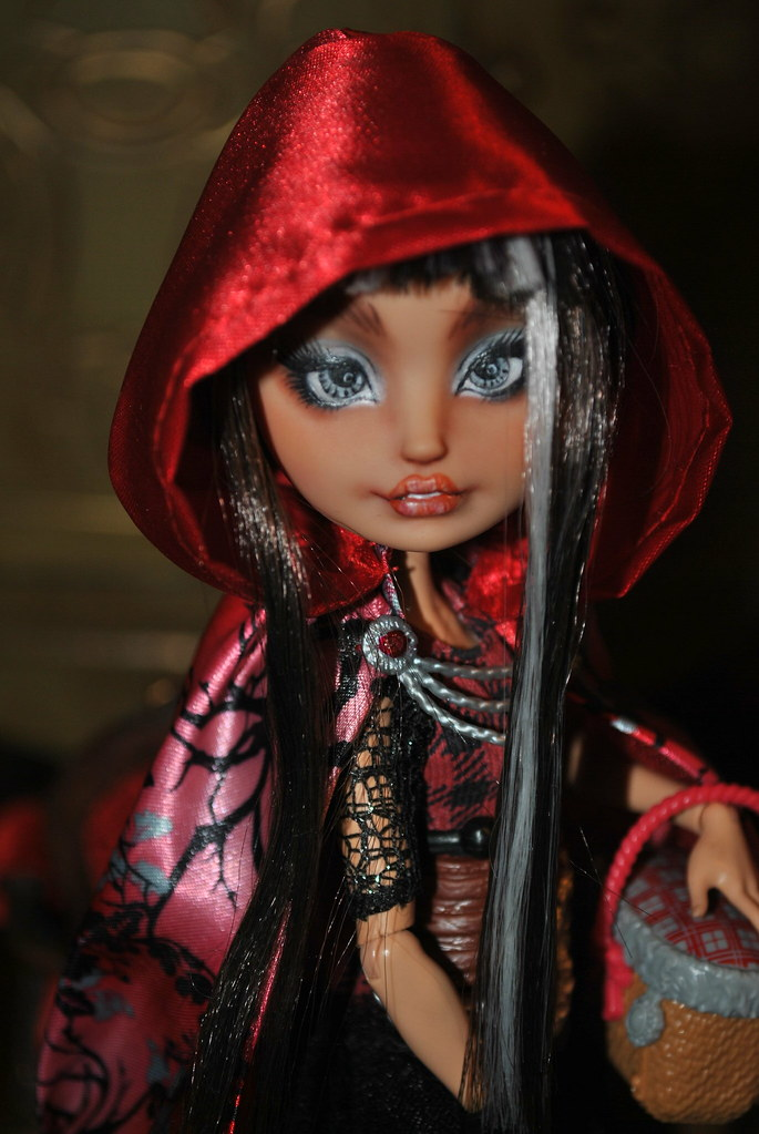 Ever After High Cerise Hood Doll Cerise Hood And Clawde...