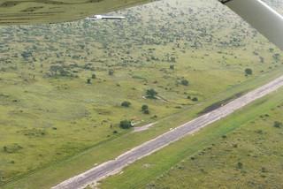 Tau Pan Airstrip im Central Kalahari Game Reserve