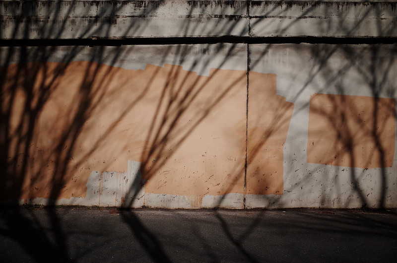 ペンキと影