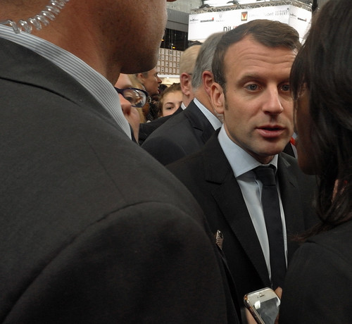 17c24 Macron Salón del Libro_0034 variante