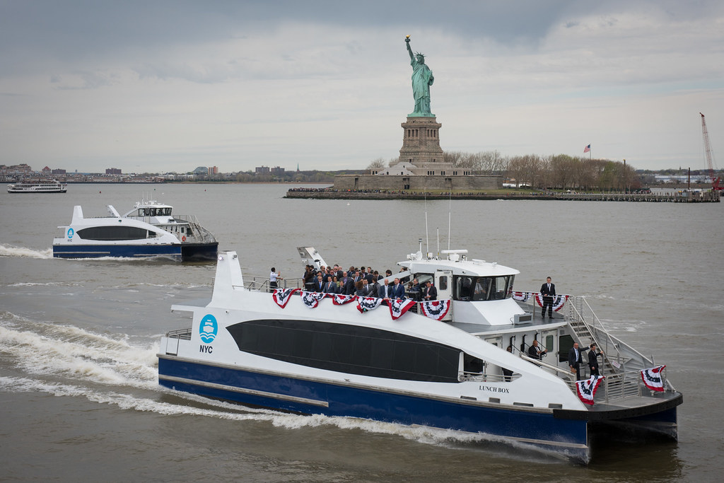 Mayor Bill de Blasio welcomes the first NYC Ferry to New York Harbor for a dedication ceremony at Brooklyn Bridge Park on Monday, April 17, 2017. Michael Appleton/Mayoral Photography Office