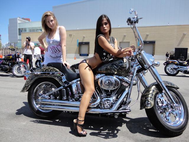 2012 Rats Hole Custom Bike Show Niagra Rats Hole Biker ... |Custom Motorcycle Show Models