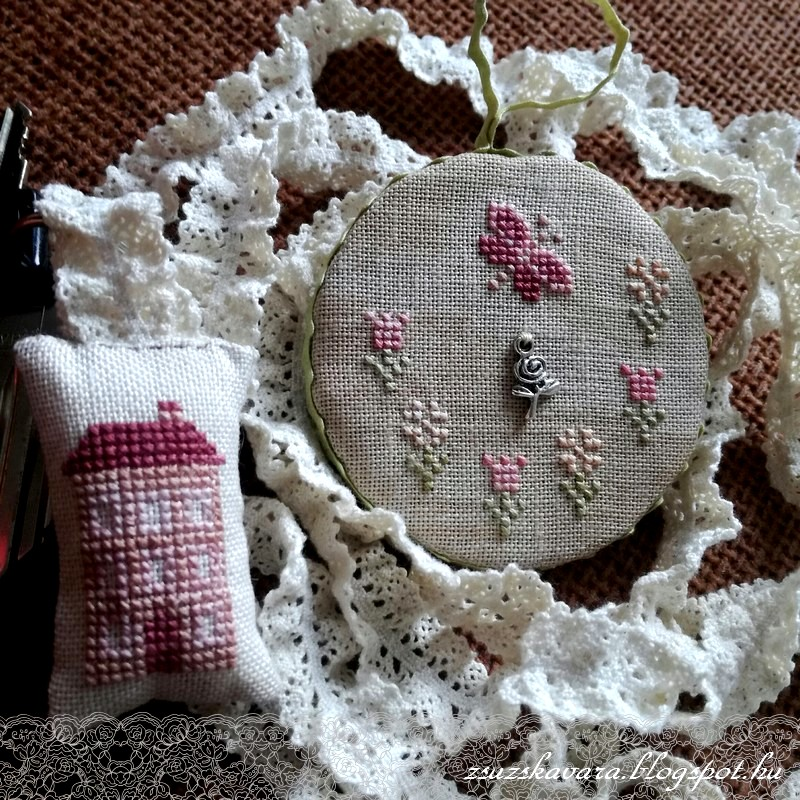 au fil des reves, cross stitch, point de croix, spring, keyholder