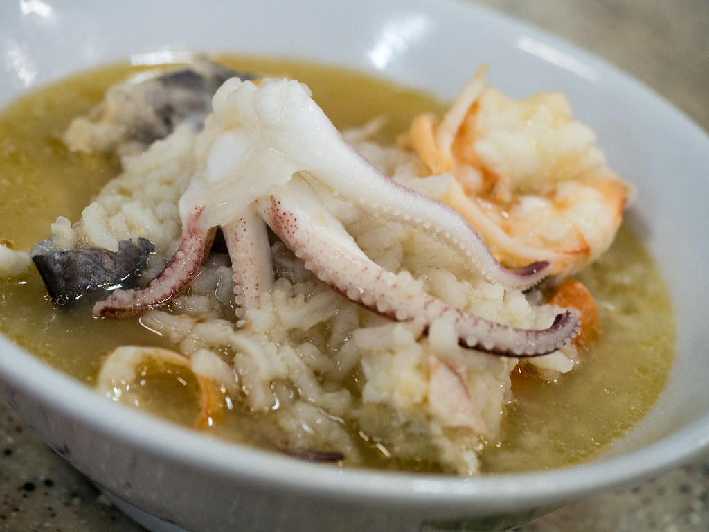 Big squid in the seafood porridge.