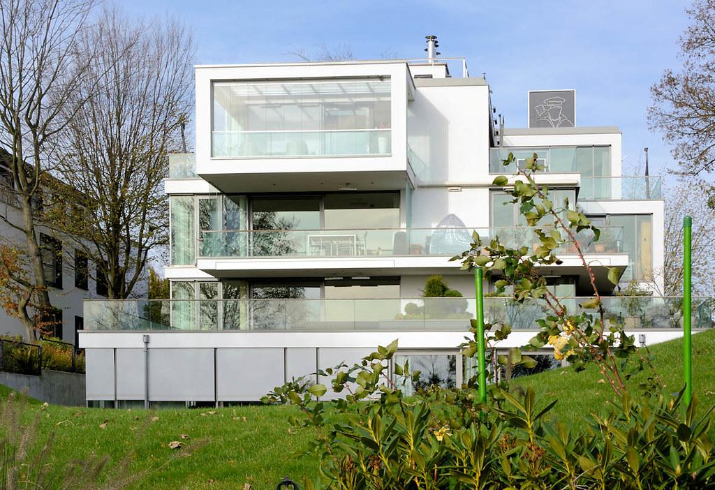 6650 moderne villa mit elbblick an der elbchaussee in hamb flickr - Moderne bder mit dachschrge ...