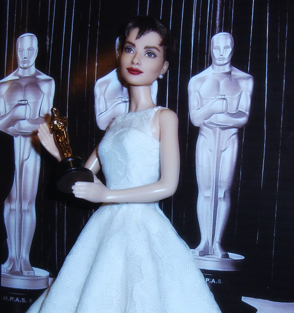 Audrey hepburn 1953 oscar doll up on ebay soon audrey hep flickr audrey hepburn 1953 oscar doll by cyguydolls gumiabroncs Gallery