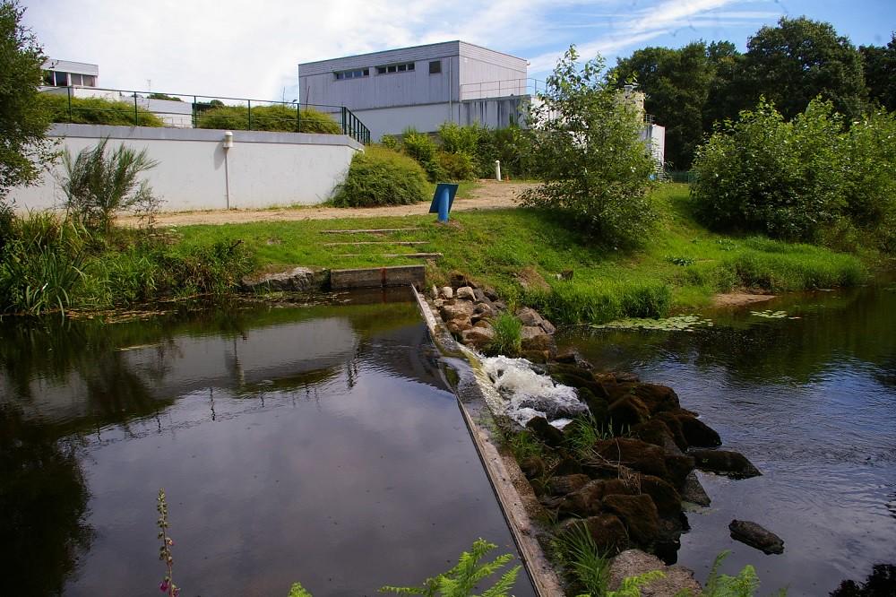 rivière, petit barrage, usine eau potable