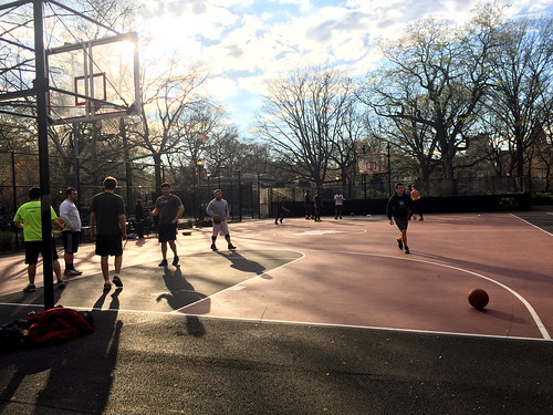Street Basketball in NY (April 2 2016)