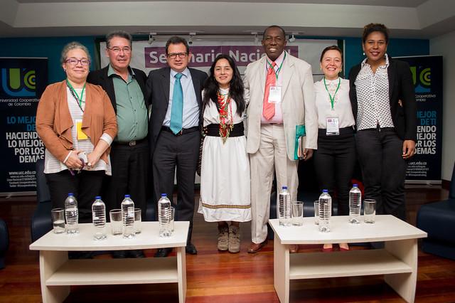 Cátedra libre,  Diálogo Nacional: Economías para la Paz