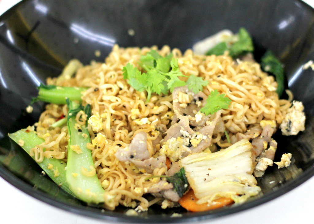 easy-chatuchak-beef-noodle-pad-mama