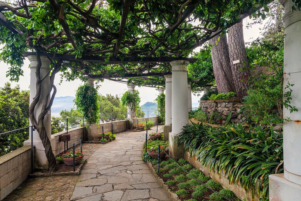 Isle of capri villa san michele a pathway leads for Villas in capri