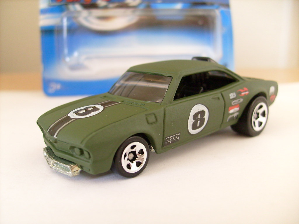 Hot Wheels Vairy 8 Chevrolet Corvair 1 64 Chevrolet