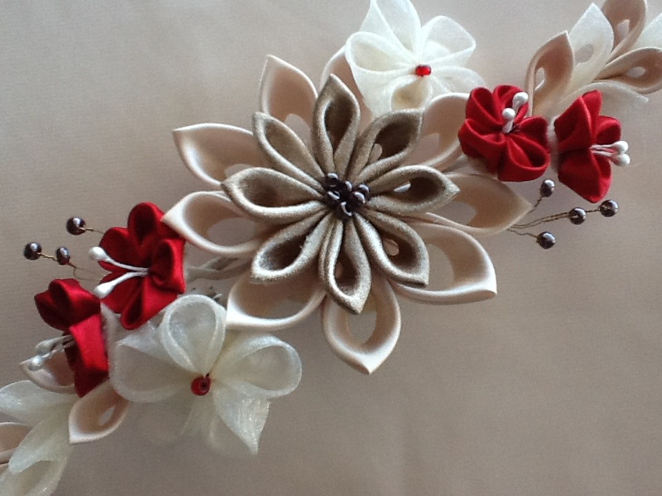Hair Clip Champagne Red Amp Ivory Kanzashi Flowers This Styl Flickr