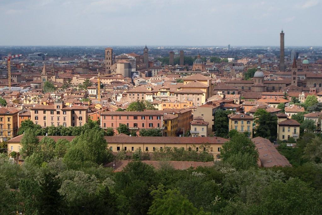 Vue sur Bologne depuis l'église San Michele e Bosco