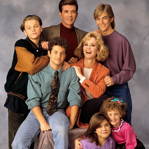 "25 years ago... Growing Pains aired its final episode   5 years later...that kid in the upper left hand corner of this pic would scream ""I'M THE KING OF THE WORLD"" from the bow of the #titanic on the silver screen.   #leonardodicaprio  #growingpains 