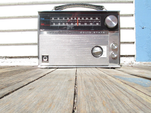 Classic old radio 1960s or 70s style | by theslowlane