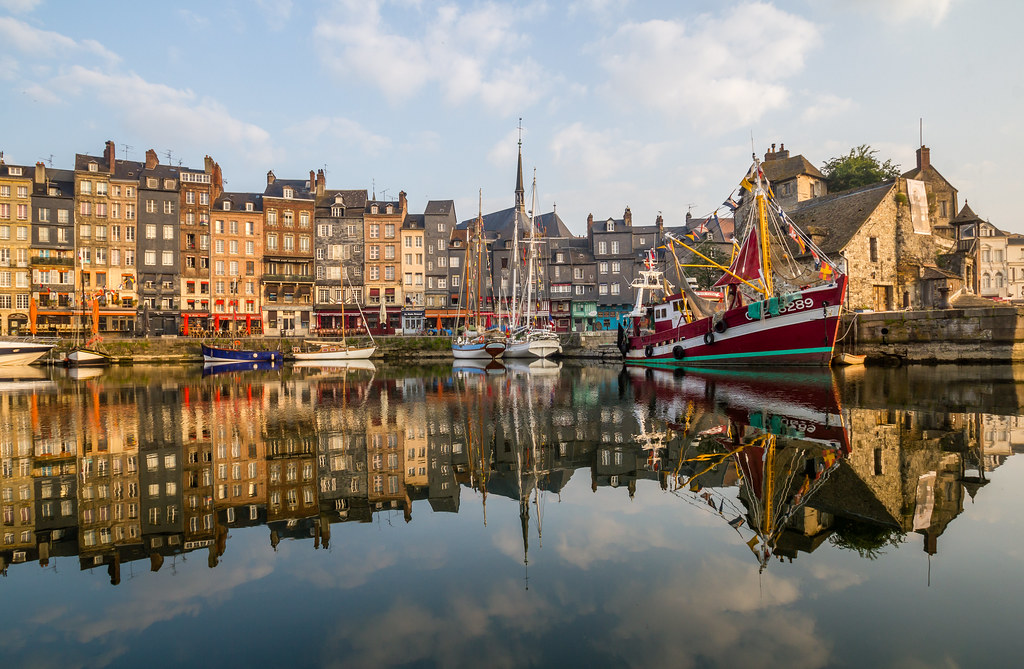 the old port of honfleur france buy this photo on getty. Black Bedroom Furniture Sets. Home Design Ideas