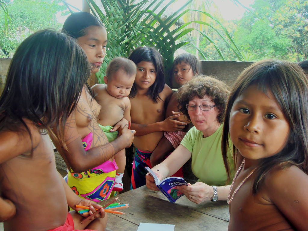 Little teen and tribu african - 2 1