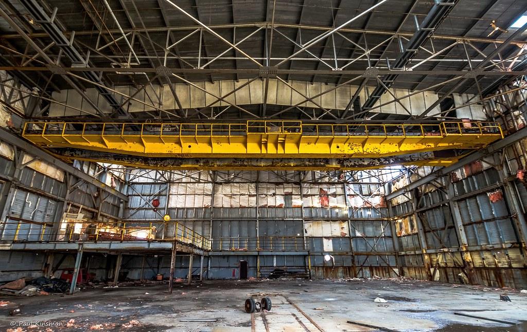 Overhead Crane Newfoundland : The hangar crane overhead in an abandoned aircraft