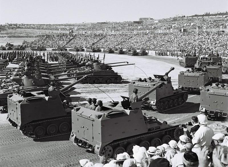 AMX-Mk61-parade-jerusalem-19580424-f-1