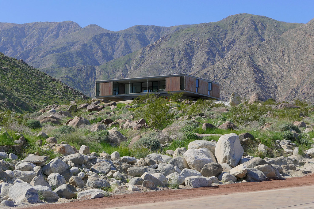 Modern desert villa by o2 Architecture and Al Beadle complete in Palm Springs Sundeno_07
