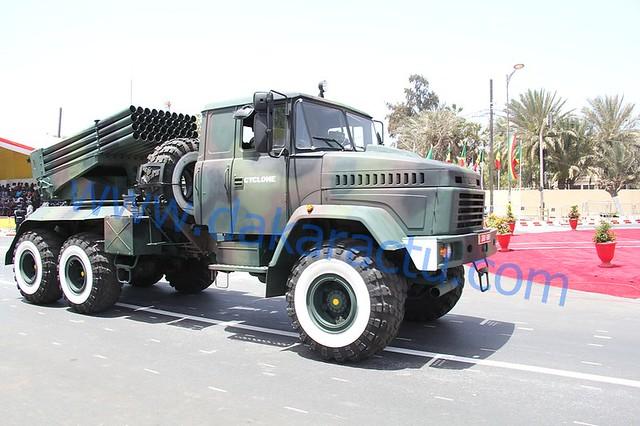 На военном параде в Сенегале замечены РСЗО на базе КрАЗ-6322 и польская Oncilla на базе «Дозор-Б»