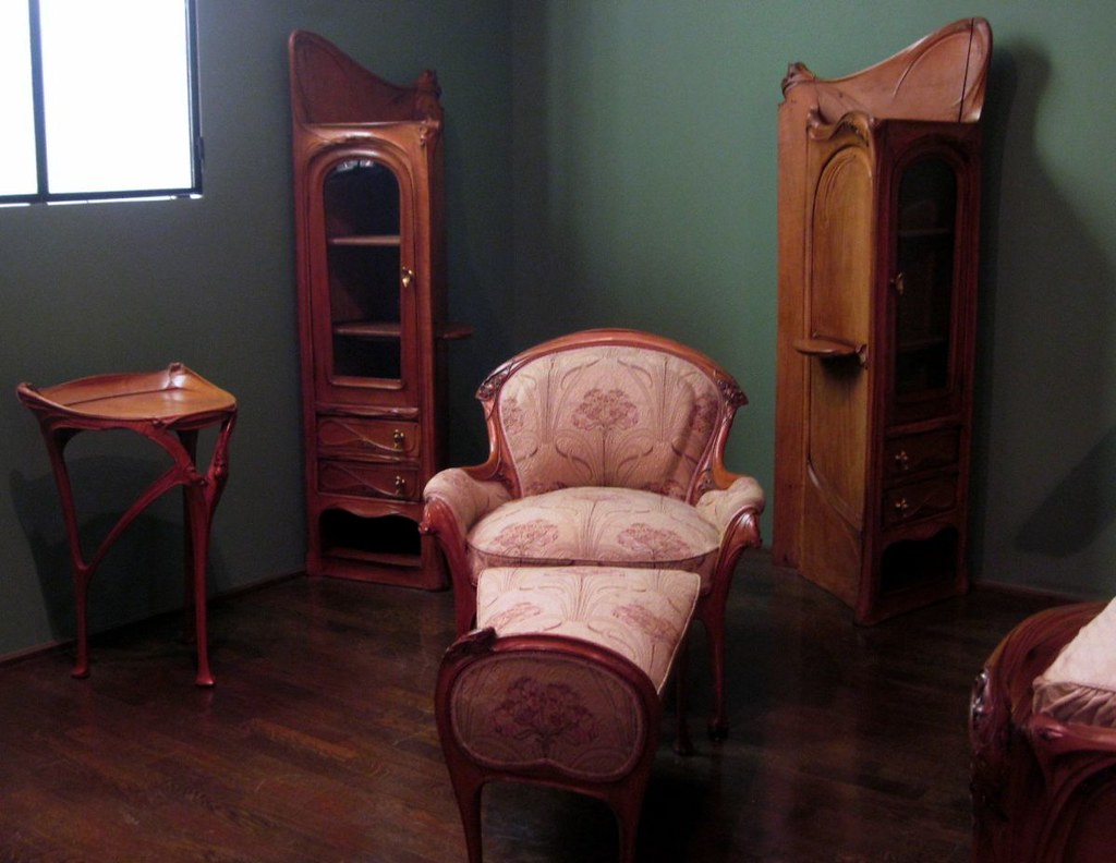 Art nouveau bedroom furniture by hector guimard 1903 for Art nouveau interior design bedroom