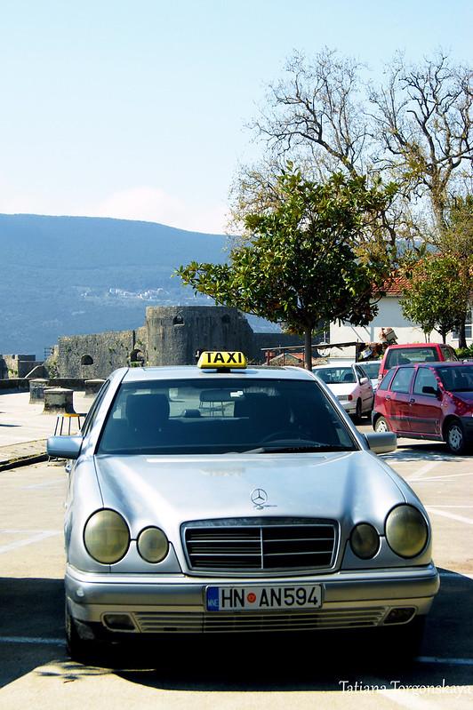 Такси на стоянке
