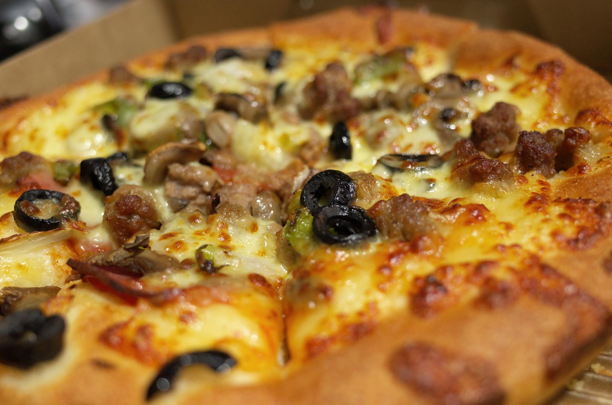 來三張披薩