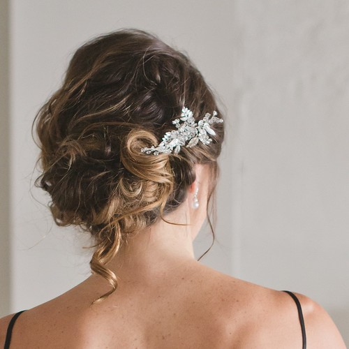 loose-romantic-boho-updo | by vanmobilehair