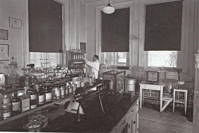 1915_-_Neuweiler_Beer_Laboratory