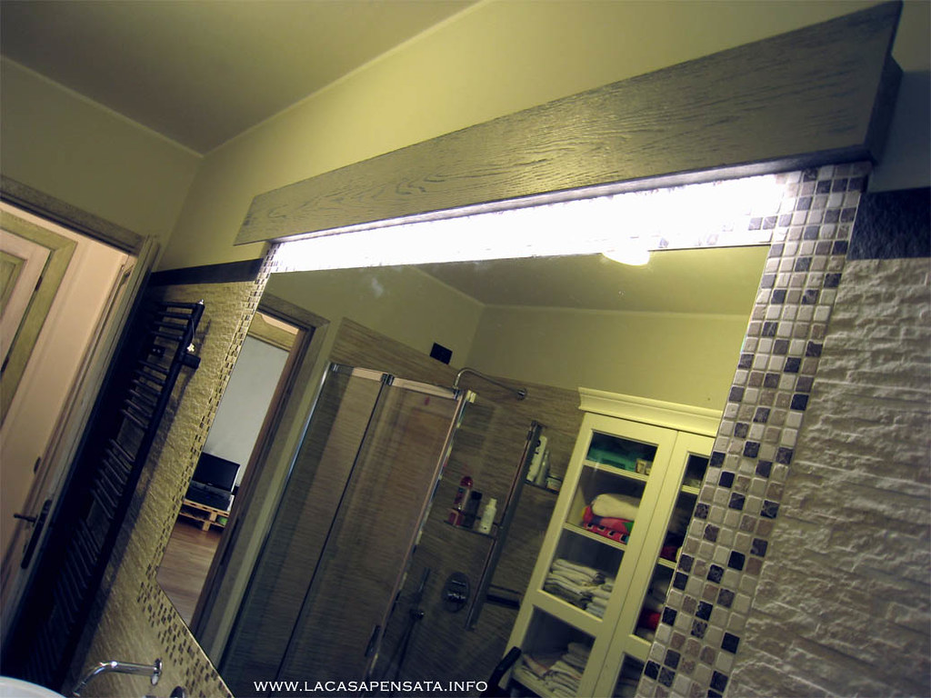 lampada per bagno specchio filo muro ristrutturazione bagn