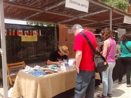 Escriptor artesà Ferran Cerdans amb públic a Pinell de Brai