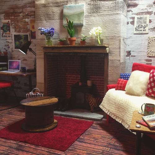 The living room . .#dollroom #dolldiorama #dollfurniture #dollshouse #dollhouse #roombox #barbiecustom #barbie #barbiecollector #sixthscale #dollphotography #playscale #fashiondollphotography #dollstagram #instadoll
