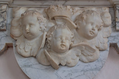 three cherubs and a crown