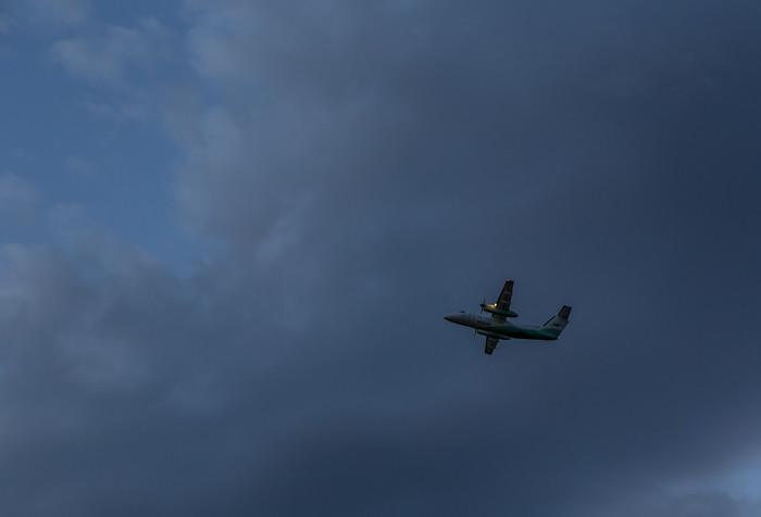 lentokone taivas sininen pilvet yöpilvi