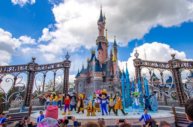Disneyland Paris - Mickey presents: Happy Anniversary show, 20170426