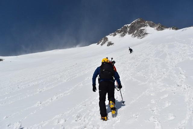 極楽平への雪の直登